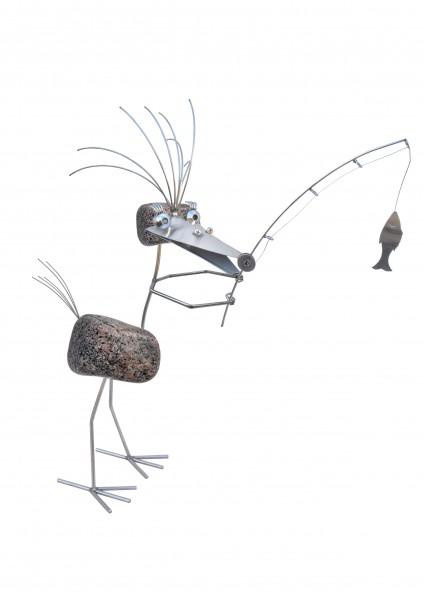 DONATA die Anglerin. Gartenskulptur aus Edelstahl und Naturstein, rostfrei, handgearbeitet